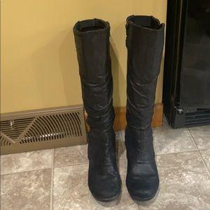 Women's black baretrap boots